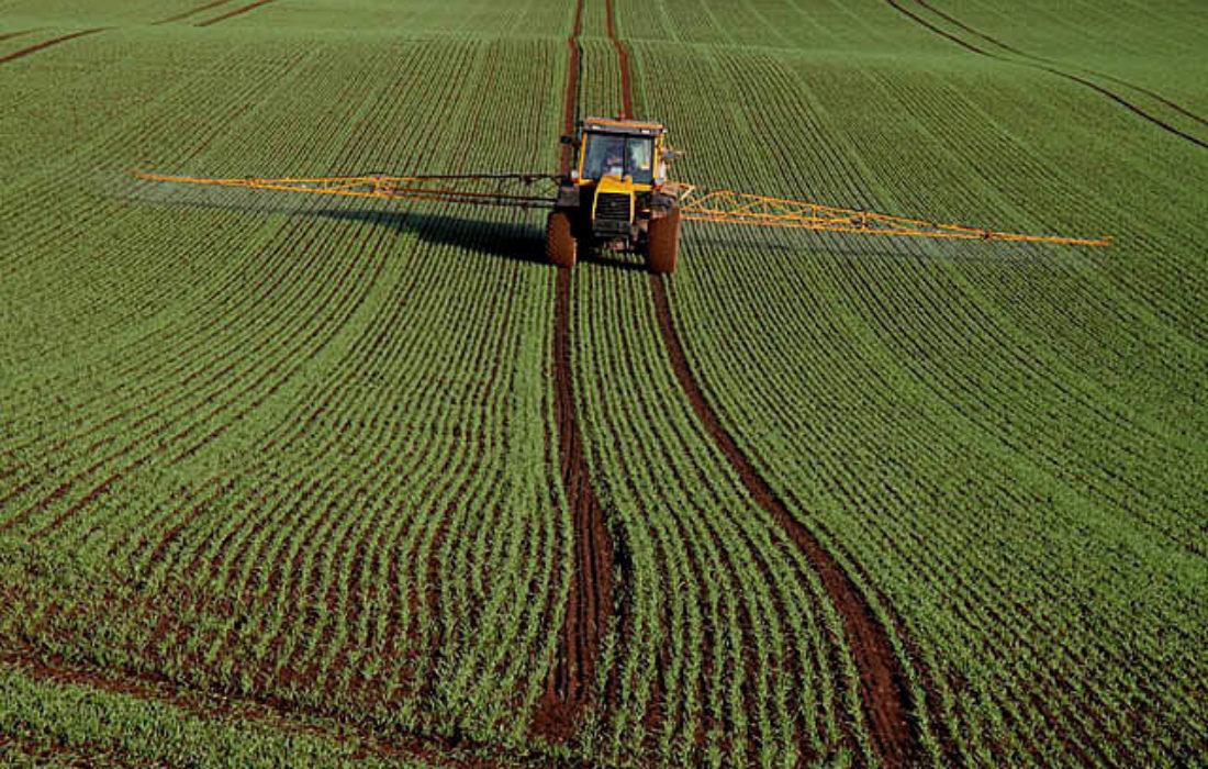 Crop Spraying At Rulesmains Farm Duns  Geograph Org Uk  1565950